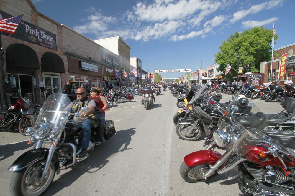 Bikers descend on Sturgis rally with few signs of pandemic – WIZM ...